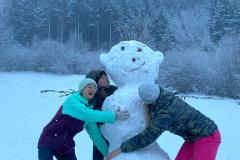 Hugs for the snowmen